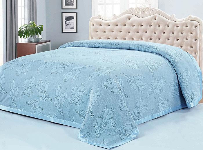 Покрывало SL, цвет: серо-голубой, 220 см х 240 см. 0999910503Роскошное покрывало SL выполнено из полиэстера серо-голубого цвета и оформлено цветочным узором и кантом.Покрывало SL - это отличный способ придать спальне уют и привнести в интерьер что-то новое.Покрывало согреет в прохладную погоду, и будет превосходно дополнять интерьер вашей спальни. Характеристики:Материал: 100% полиэстер (микроволокно). Цвет: серо-голубой. Размер покрывала: 220 см х 240 см. Soft Line предлагает широкий ассортимент высококачественного домашнеготекстиля разных направлений и стилей. Это и постельное белье из тканейразличных фактур и орнаментов, а также мягкие теплые пледы, красивыепокрывала, воздушные банные халаты, текстиль для гостиниц и домовотдыха, практичные наматрасники, изысканные шторы, полотенца иразнообразное столовое белье. Soft Line - это ваш путеводитель по мягкому миру текстиля, полномуудивительных достопримечательностей. Постельное белье марки Soft Lineподарит вам радость и комфорт!