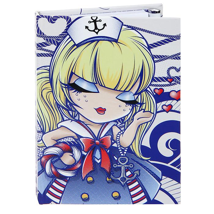 Карманный блокнот с ручкой Kimmidoll Морячка Салли (Путешественница). KLS1560703415Удобный карманный блокнот для заметок надежно сохранит все самые важные записи, мечты, воспоминания. К тому же, такой блокнот станет и частью Вашего имиджа, благодаря красивой, и привлекающей внимание обложке!Блокнот, выполненный из картона и бумаги, содержит 80 разлинованных страничек с узорами. В комплект входит удобная металлическая шариковая ручка с чернилами черного цвета. Ручка надежно фиксируется на блокноте с помощью резинки-петельки.Привет, меня зовут Морячка Салли! Я талисман путешествий и приключений. Неиссякаемая жажда приключений постоянно ведет Вас против переменчивых ветров в бушующем море жизни. Но дерзкая внешность обманчива- за Вашей бесстрашной, закаленной приключениями натурой, скрывается золотое доброе сердце. Характеристики: Материал: картон, бумага, металл. Размер блокнота: 8 см х 1,2 см х 11,2 см. Количество листов: 80. Длина ручки: 10,5 см. Размер упаковки: 9,5 см х 1,5 см х 12 см. Производитель:Китай. Артикул: KLS156.