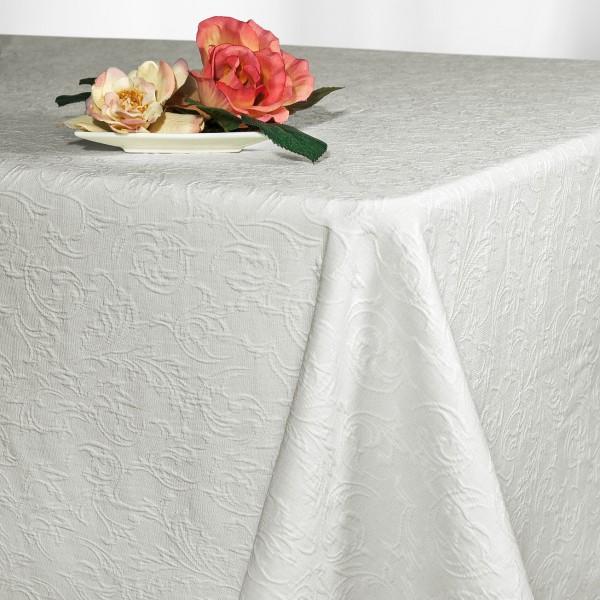 Скатерть Schaefer, прямоугольная, цвет: белый, 130x 220 см. 4127VT-1520(SR)Великолепная скатерть Schaefer, выполненная из полиэстера, органично впишется в интерьер любого помещения, а оригинальный дизайн удовлетворит даже самый изысканный вкус. Скатерть изготовлена из материала белого цвета с орнаментом и обладает жироводооталкивающими свойствами.Это текстильное изделие станет удобным и оригинальным украшением вашего дома! Характеристики: Материал: 70% полиэстер, 30% хлопок. Размер: 130 см х 220 см. Цвет: белый.