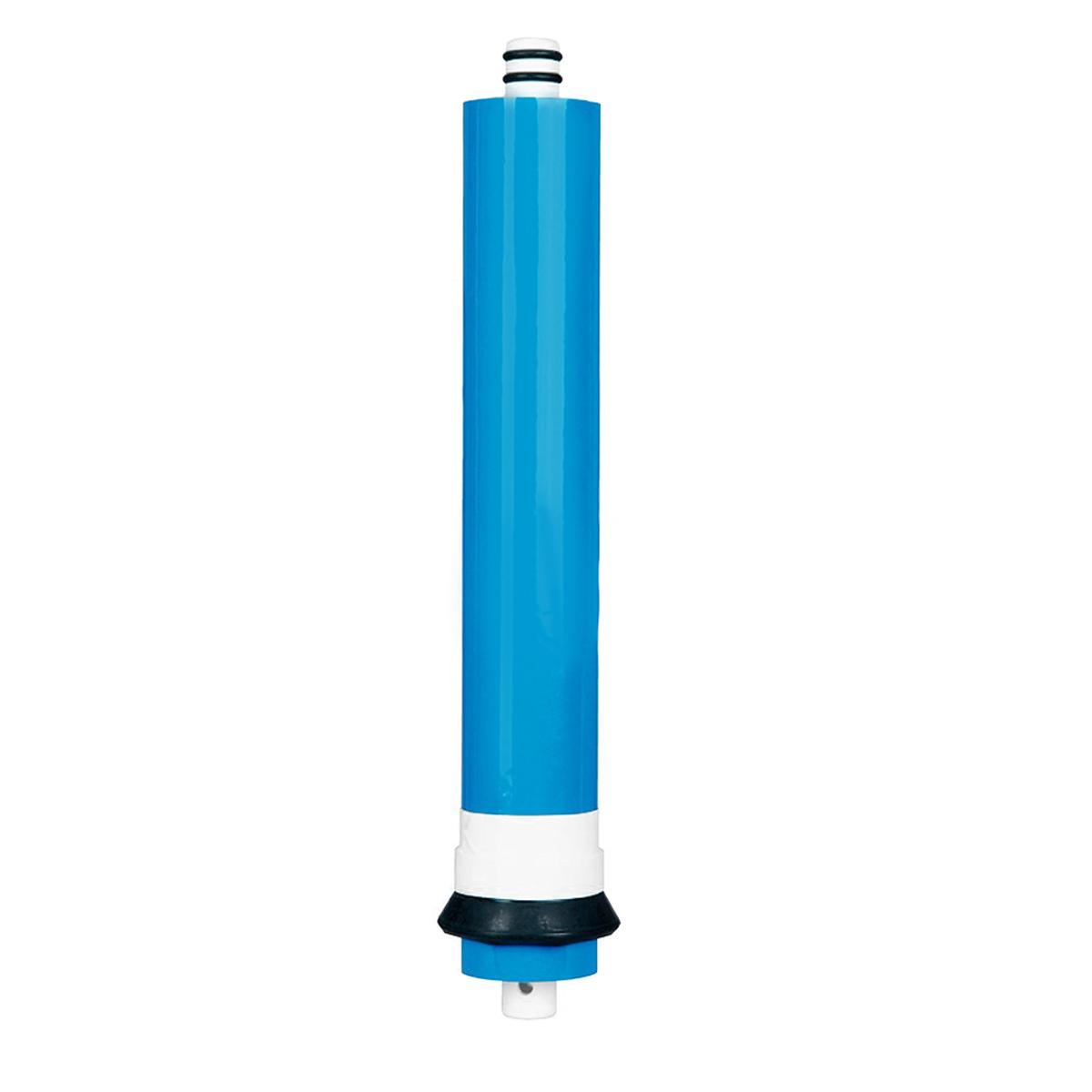 Обратноосмотическая мембрана Vontron 2012-100 для бытовых системBL505Обратноосмотическая мембрана Vontron предназначена для высококачественной очистки воды. Удаляет ржавчину, соли тяжелых металлов, хлор, запах, привкус, накипь, органику, ядохимикаты, нитриты, микробов, радионуклеиды, и другие примеси на 99%. Мембрана – это специально изготовленная полимерная плёнка (Полиамидная тонкопленочная композитная), которая свернута в рулон. Этот полимер образован из двух слоев, неразрывно соединенных между собой. Сменный рулонный обратноосмотический мембранный элемент предназначен для ультратонкой очистки воды от ионов растворенных примесей, солей жесткости, органических и микробиологических загрязнений в системах обратного осмоса. Качественная очистка требует некоторого времени, поэтому производительность у обратноосмотических фильтров относительно не большая. Скорость прохождения молекул через мембрану зависит от ряда факторов, важнейшими из которых являются давление жидкости, концентрация в ней примесей, температура и степень проницаемости самой мембраны обратного осмоса. Срок службы мембраны сильно зависит от качества исходной воды и качества ее предварительной очистки. Материал, из которого делают мембраны, боится действия окислителей, например остаточного хлора. Плохо влияют на срок службы мембраны высокая жесткость воды и высокое содержание железа.