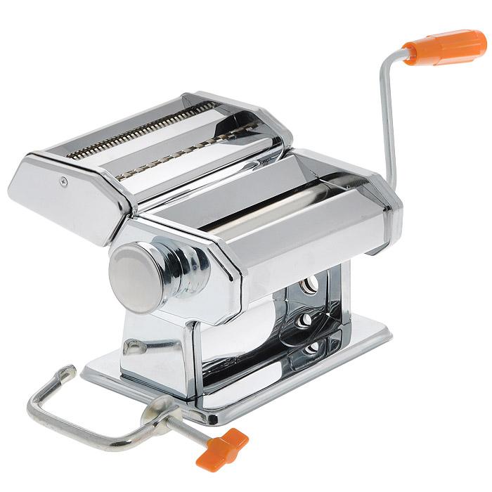 Спагетница Bradex Феттуччине391602Спагетница Bradex Феттуччине, выполненная из первоклассной нержавеющей стали, поможет вам приготовить домашние спагетти. Требуется сначала раскатать приготовленное тесто, а затем пропустить его через насадку для нарезки. Толщина спагетти регулируется специальным колесиком, а ее ручной механизм не нуждается в электричестве или батарейках. Благодаря спагетнице можно изготовить различные типы макаронных изделий, в зависимости от ваших вкусовых предпочтений. Изделие имеет 6 положений толщины теста и 2 положения ширины лапши при резке.В комплекте - инструкция по приготовлению теста и использованию машинки.Нельзя мыть изделие под водой и в посудомоечной машине.Размер спагетницы (без учета ручки): 20 см х 21 см х 14,5 см.Минимальная толщина получаемых спагетти: 0,2 мм.Максимальная толщина получаемых спагетти: 9 мм.