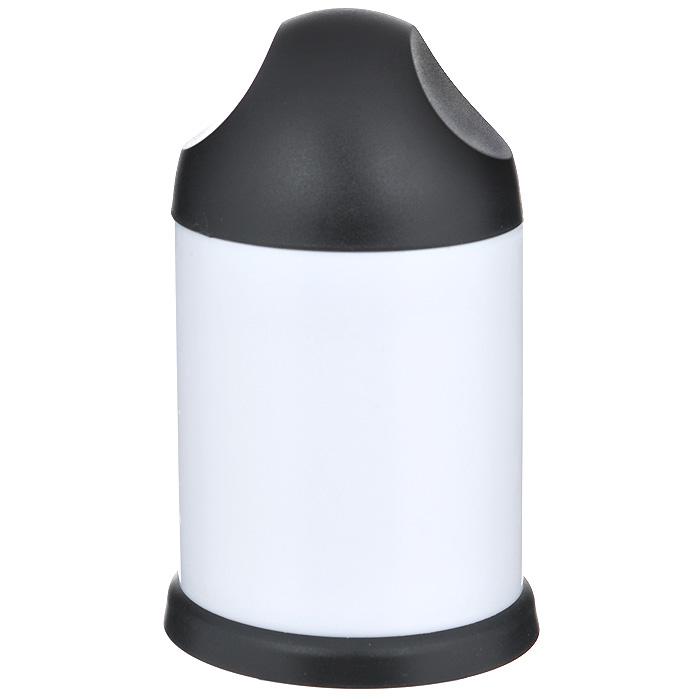 Терка для шоколада Bradex Сластена/Фуршет, цвет: черный, белый. TD 0075115510Терка для шоколада Bradex Сластена/Фуршет изготовлена из прочного пластика. В комплект входят 2 насадки из нержавеющей стали для мелкой и крупной стружки. Терка может использоваться для измельчения шоколада, орехов, печенья, сухарей и т.п. Терка работает просто - поверните крышку и покрошите продукты в мелкую или крупную стружку за несколько мгновений. Такая терка пригодится для декорации десертов, во время приготовления пирогов и мороженого.Стружка благодаря Bradex Сластена/Фуршет получится ровной и аккуратной, а ваши руки при этом не испачкаются. Теперь приготовленное вами блюдо будет не только вкусным, но и красивым! Характеристики:Материал: пластик, нержавеющая сталь. Цвет: черный, белый. Размер терки (Д х Ш х В): 8,5 см х 8,5 см х 15 см. Диаметр насадки: 7 см. Размер упаковки: 8,5 см х 8,5 см х 15,5 см. Артикул: TD 0075.