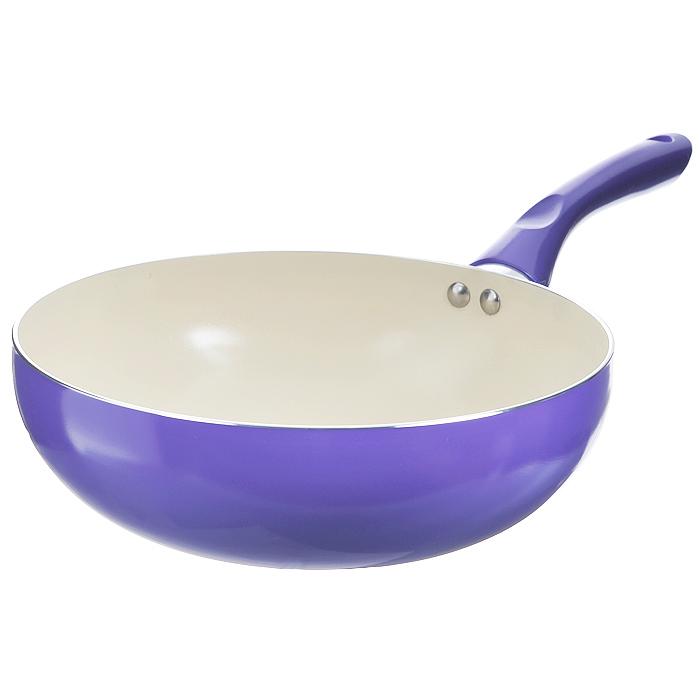 Сковорода-вок Mayer & Boch, с керамическим покрытием, цвет: фиолетовый. Диаметр 24 см54 009312Сковорода Вок Mayer & Boch изготовлена из алюминия с высококачественным антипригарным керамическим покрытием. Керамика не содержит вредных примесей ПФОК, что способствует здоровому и экологичному приготовлению пищи. Кроме того, с таким покрытием пища не пригорает и не прилипает к стенкам, поэтому можно готовить с минимальным добавлением масла и жиров. Гладкая, идеально ровная поверхность сковороды легко чистится, ее можно мыть в воде руками или вытирать полотенцем. Внешнее жаростойкое покрытие - фиолетового цвета.Эргономичная ручка специального дизайна выполнена из бакелита фиолетового цвета, удобна в эксплуатации.Сковорода подходит для использования на газовых и электрических плитах. Также изделие можно мыть в посудомоечной машине. Характеристики: Материал: алюминий, бакелит. Цвет: фиолетовый. Диаметр: 24 см. Высота стенки: 7,5 см. Толщина стенки: 0,24 см. Толщина дна: 0,3 см. Длина ручки: 16,5 см. Диаметр дна: 13,5 см. Артикул: 22267.