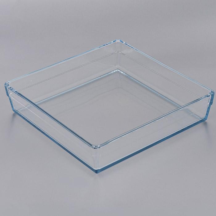 Форма для СВЧ Pasabahce Borcam Premium, квадратная, 28,7 х 28,7 см 5931454 009312Квадратная форма для СВЧ Pasabahce Borcam Premium выполнена из жаропрочного стекла.Стекло - самый безопасный для здоровья материал. Посуда из стекла не вступает в реакцию с готовящейся пищей, а потому не выделяет никаких вредных веществ, не подвергается воздействию кислот и солей. Из-за невысокой теплопроводности пища в ней гораздо медленнее остывает. Стеклянная посуда очень удобна для приготовления и подачи самых разнообразных блюд: супов, вторых блюд, десертов. Благодаря прозрачности стекла, за едой можно наблюдать при ее готовке, еду можно видеть при подаче, хранении. Используя такую посуду, вы можете как приготовить пищу, так и изящно подать ее к столу, не меняя посуды. Благодаря гладкой идеально ровной поверхности посуда легко моется. Можно использовать в духовках, микроволновых печах и морозильных камерах (выдерживает температуру от - 30°C до 300°C). Можно мыть в посудомоечной машине. Характеристики: Материал: жаропрочное стекло. Размер формы: 28,7 см х 28,7 см. Высота стенки: 6,5 см. Размер упаковки: 36 см х 36 см х 8 см. Артикул: 59314.