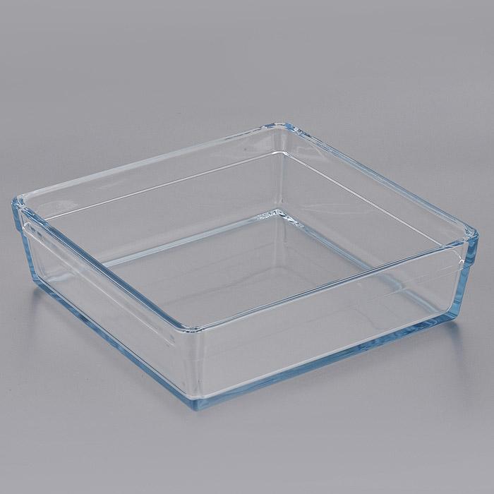 Форма для СВЧ Pasabahce Borcam Premium, квадратная, 22,7 см х 22,7 см. 59304391602Квадратная форма для СВЧ Pasabahce Borcam Premium выполнена из жаропрочного стекла.Стекло - самый безопасный для здоровья материал. Посуда из стекла не вступает в реакцию с готовящейся пищей, а потому не выделяет никаких вредных веществ, не подвергается воздействию кислот и солей. Из-за невысокой теплопроводности пища в ней гораздо медленнее остывает. Стеклянная посуда очень удобна для приготовления и подачи самых разнообразных блюд: супов, вторых блюд, десертов. Благодаря прозрачности стекла, за едой можно наблюдать при ее готовке, еду можно видеть при подаче, хранении. Используя такую посуду, вы можете как приготовить пищу, так и изящно подать ее к столу, не меняя посуды. Благодаря гладкой идеально ровной поверхности посуда легко моется. Можно использовать в духовках, микроволновых печах и морозильных камерах (выдерживает температуру от - 30°C до 300°C). Можно мыть в посудомоечной машине. Характеристики: Материал: жаропрочное стекло. Размер формы: 22,7 см х 22,7 см. Высота стенки: 6,5 см. Размер упаковки: 30 см х 30 см х 7 см. Артикул: 59304.