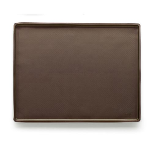 Коврик кулинарный Lekue, цвет: коричневый, 39 см х 30 см68/5/4При разработке универсального коврика Lekue использовались инновационные технологии и современный материал - силикон. Коврик обладает максимальными антипригарными свойствами, более равномерной теплоотдачей и гарантирует наилучший результат. Идеально подходит для работы с шоколадом, карамелью, раскатки любого вида теста без использования муки. Не скользит на рабочей поверхности, не требует смазывания жиром. Выдерживает температуру от +220°С до - 60°С.Силикон абсолютно безвреден для здоровья, не впитывает запахи, не оставляет пятен, легко моется.Кулинарный коврик Lekue - практичный и необходимый подарок любой хозяйке!Не используйте нож для резки продукта на коврике. Предназначен для приготовления пищи в духовках газовых и электрических плит, СВЧ-печи, для замораживания. Можно мыть в посудомоечной машине. Высота стенки: 1 см.Размер коврика: 38,5 см х 28,5 см.