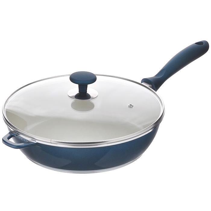 Сковорода Rainstahl с крышкой, 3,6 л. 7968RS68/5/3Сковорода Rainstahl будет уместна на любой кухне и понравится каждой хозяйке. Она изготовлена из литого алюминия и имеет внешнее жаропрочное керамическое покрытие. Для удобного использования сковорода снабжена бакелитовой ручкой.Крышка, изготовленная из высококачественного стекла, имеет металлический обод по краю и отверстие для выхода пара. Такая крышка позволяет следить за процессом приготовления пищи без потери тепла. Она плотно прилегает к краю сковороды, сохраняя аромат блюд.Подходит для использования в электрических, газовых, стеклокерамических, индукционных плитах. Можно мыть в посудомоечной машине. Характеристики: Материал: литой алюминий, пластик, стекло. Внутренний диаметр сковороды: 28 см. Высота стенок:7,5 см. Объем: 3,6 л. Длина ручки:20 см. Размер упаковки:30 см х 28 см х 9 см. Артикул:7968RS.