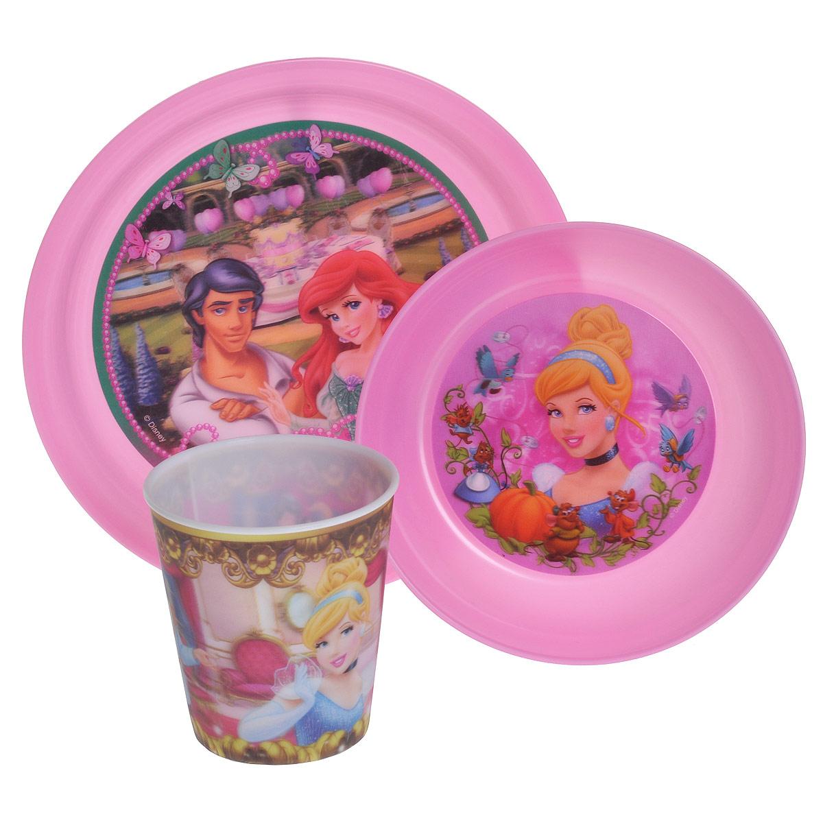 Набор детской посуды Принцессы, цвет: розовый, 3 предмета17408_розовыйНабор детской посуды Принцессы состоит из стакана, миски и тарелки. Посуда, выполненная из пищевого пластика розового цвета, оформлена изображениями принцесс - героинь диснеевских мультфильмов. Рисунки находятся под слоем прозрачного структурного пластика (линзы), создающего эффект объемного изображения, как в 3D кино, и исключающего попадание краски в жидкость. Небьющаяся посуда, красивая, легкая и удобная в уходе, прекрасно выдерживает горячую пищу. Ваш малыш с удовольствием будет кушать вместе с любимыми героинями. Характеристики:Размер миски: 14,5 см х 14,5 см х 4,5 см. Размер тарелки: 19,5 см х 19,5 см х 2 см. Объем стакана: 280 мл. Высота стакана: 8,5 см.