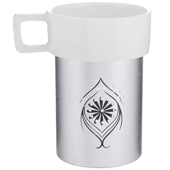 Кружка Amber Porcelain, цвет: белый, серебристый, 220 мл115510Кружка Amber Porcelain, выполненная из фарфора, имеет оригинальнуюформу и яркий дизайн. Дно изделия оснащено силиконовой накладкой.Такая кружка порадует васдизайном и функциональностью, а пить чай или кофе из нее станет ещеприятнее.