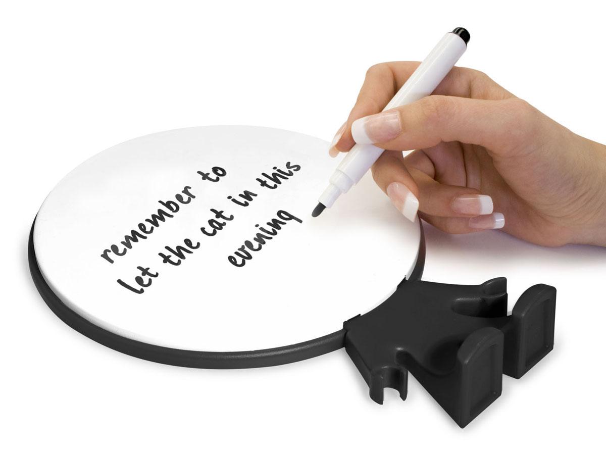 """Персональная доска для записей """"Big Head"""" - оригинальная вещь для ежедневных посланий родным и близким. Доска выполнена в виде человечка, на голове которого можно оставлять записи. В комплекте маркер для письма. Записи легко стираются специальной губкой на колпачке маркера или обычной салфеткой. Такую доску можно поставить на столе или в любом другом удобном месте."""