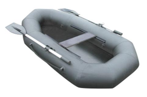 Лодка надувная Лидер Компакт-2003615Лодка отлично подходит для рыбалки, плавания по речкам и озерам. Материал лодки имеет высокую прочность. Он стоек к воздействию бензина, морской воды. По бокам лодки установлены держатели для весел. Данная модель очень удобна для транспортировки.Сиденье-скамья;Фанерная слань.