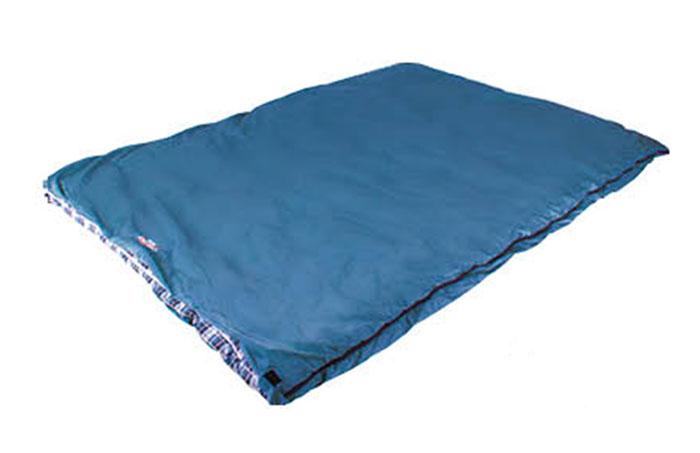 Спальный мешок Campack-Tent CAMP 200 (одеяло двухспальное) р-р 190 х 144см, правосторонняя молния, из одного спальника можно состегнуть 2 поменьшеУТ-000050401Летний двуспальный мешок Campack Tent Camp 200 для семейного отдыха. Подходит для всех любителей активного отдыха. При эксплуатации мешок в мешке, Вы можете его использовать как одноместный спальник для межсезонья. Компрессионный мешок облегчит укладку и транспортировку спальника во время Ваших путешествий.Характеристики:Наружный материал:полиэстер. Внутренний материал: хлопок, фланель. Утеплитель: Hollow Fiber 200 гр/м2. Размер: 190 см х 144 см.
