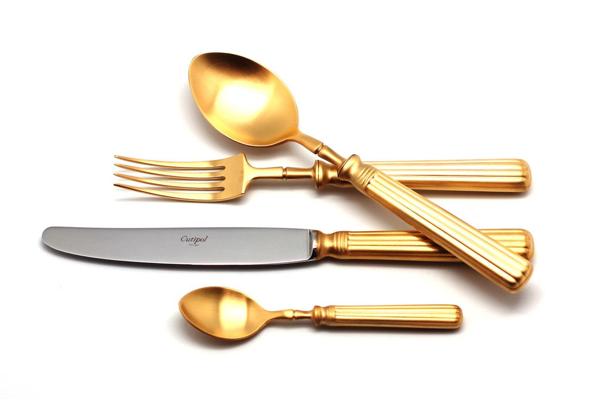 Набор столовых приборов Cutipol Line Gold, цвет: золотистый матовый, 72 предмета9172-729172-72 LINE GOLD мат. Набор 72 пр. Характеристики: Материал: сталь.Размер: 660*305*225мм.Артикул: 9172-72.