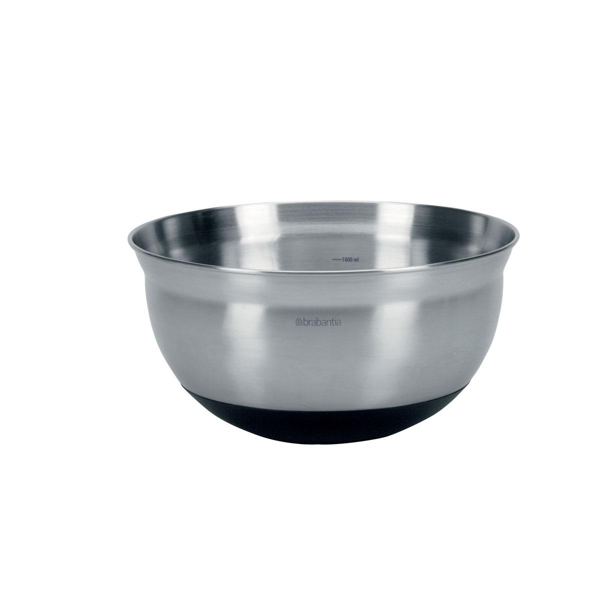 Салатник Brabantia, 1,6 л115510Салатник Brabantia изготовлен из высококачественной нержавеющей стали с матовой полировкой. Мягко изогнутые края специально разработаны для комфортного смешивания, а измерительная шкала на внутренней поверхности чаши позволит точно смешивать ингредиенты. Силиконовое основание придает миске устойчивости и предотвращает повреждение поверхности стола. Такой салатник станет достойным дополнением к кухонному инвентарю. Характеристики:Материал: нержавеющая сталь, силикон. Объем салатника: 1,6 л. Диаметр салатника по верхнему краю: 21,5 см. Высота салатника: 11 см.Гарантия производителя: 5 лет.