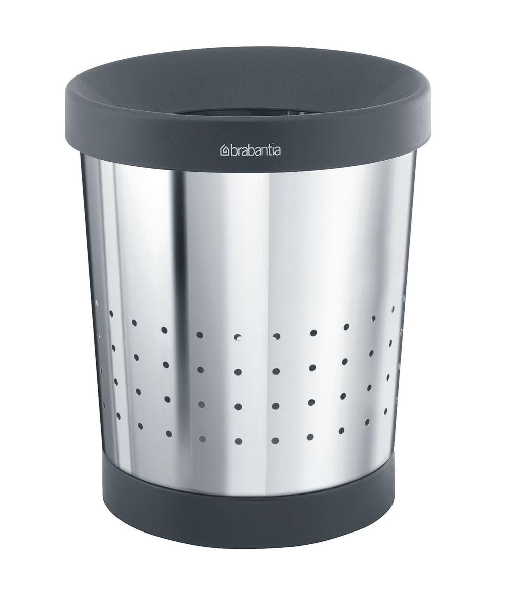 Корзина для бумаг Brabantia, 5 л. 364280364280Небольшая эстетичная корзина для бумаг Brabantia - практичное решение для любого помещения в доме. Съемный верхний элемент скрывает содержимое и обеспечивает удобную фиксацию мешков для мусора. Корзина выполнена из нержавеющей стали с зеркальной полировкой и пластика черного цвета. Съемный верхний обод позволяет удобно фиксировать мешок для мусора. Защитный пластиковый нижний обод предотвращает повреждение пола. Практичный дизайн позволяет очень эстетично спрятать содержимое. Идеально подходят мешки для мусора с завязками (размер В) (входят в комплект). Диаметр (по верхнему краю): 21 см. Высота: 24 см.