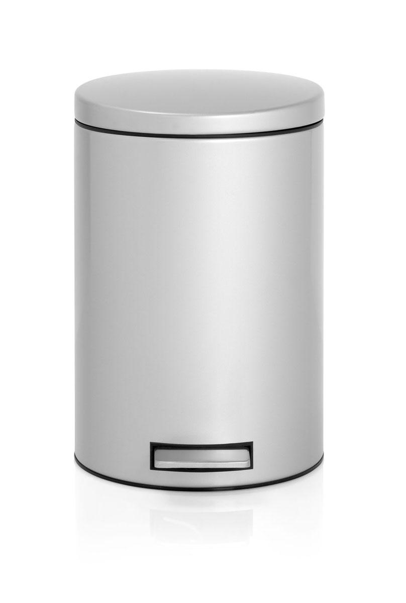 Бак мусорный Brabantia Бесшумный, с педалью, цвет: металлик, 12 л531-105Педальный бак Brabantia на 12 литров поистине универсален и идеально подходит для использования на кухне или в гостиной. Достаточно большой для того, чтобы вместить весь мусор, при этом достаточно компактный для того, чтобы аккуратно разместиться под рабочим столом.Механизм MotionControl обеспечивает мягкое действие педали и бесшумное открывание крышки;Удобный в использовании - при открывании вручную крышка фиксируется в открытом положении, закрывается нажатием педали; Надежный педальный механизм, высококачественные коррозионно-стойкие материалы;Удобная очистка - прочное съемное внутреннее пластиковое ведро; Предохранение пола от повреждений - пластиковое защитное основание;Всегда опрятный вид - идеально подходящие по размеру мешки для мусора с завязками (размер C);10-летняя гарантия Brabantia. Характеристики: Материал: сталь.Размер: 330*263*410мм.Артикул: 478062.