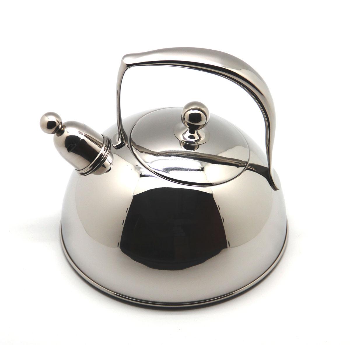 Чайник Silampos Жасмин со свистком, 2 л94672Чайник Silampos Жасмин изготовлен из высококачественной нержавеющей стали. Этот материал обладает высокой стойкостью к коррозии и кислотам. Прочность, долговечность и надежность этого материала, а также первоклассная обработка обеспечивают практически неограниченный запас прочности и неизменно привлекательный внешний вид. Чайник оснащен ручкой удобной формы. Благодаря широкому верхнему отверстию, в чайник удобно заливать воду и прочищать его изнутри. Носик чайника имеет свисток, оповещающий о закипании воды. Можно использовать на газовых, электрических, галогенных, стеклокерамических, индукционных плитах. Не рекомендуется мыть в посудомоечной машине.