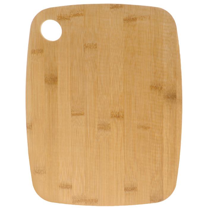 Доска разделочная Bohmann, двухсторонняя, 33 см х 25 см. 02503BH115510Двухсторонняя разделочная доска Bohmann, изготовленная из бамбука и пищевого пластика, займет достойное место среди аксессуаров на вашей кухне. Бамбуковая сторона идеально подходит для резки или рубки мяса и рыбы. Благодаря твердости бамбука и красоте структуры его древесины из него часто делают кухонные разделочные доски, которые также могут быть подставками под горячие кастрюли. Разделочные доски делают из прессованных бамбуковых плит, их поверхность твердая и гладкая, кроме того, они обладают хорошими водоотталкивающими и антибактериальными свойствами. Пластиковая сторона выполнена из специального антибактериального покрытия, абсолютно гигиенична, не впитывает запахи от нарезаемых на ней продуктов, прекрасно подходит для овощей и фруктов.Такая доска понравится любой хозяйке и будет отличным помощником на кухне. Нельзя мыть в посудомоечной машине. Характеристики: Материал: пластик, бамбук. Размер разделочной доски: 33 см х 25 см х 1,7 см.