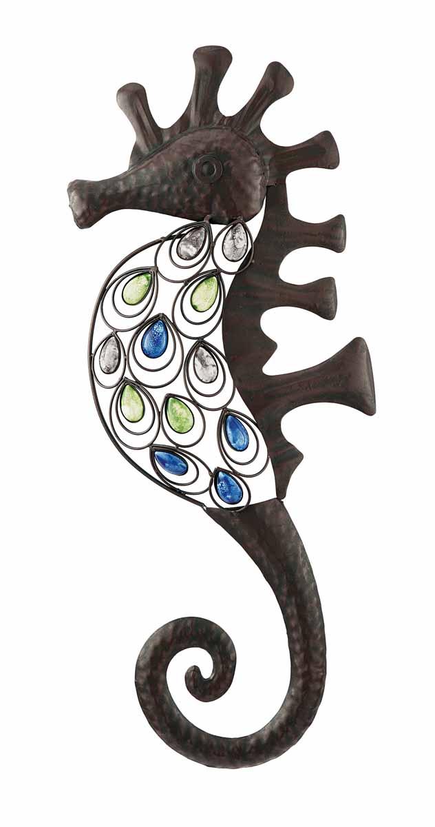Декор настенный Gardman Морской конек, 25 х 62 см 173801129455Настенный декор Gardman Морской конек изготовлен из металла коричневого цвета. Изделие выполнено в виде морского конька, украшенного перфорацией и разноцветными бусинами. Добавьте немного морской романтики в интерьер вашего дома.Такой морской конек прекрасно подойдет для украшения как дома, так и сада. С задней стороны расположено отверстие для подвешивания на стену.Характеристики: Материал: металл. Цвет: коричневый. Размер: 25 см х 62 см.