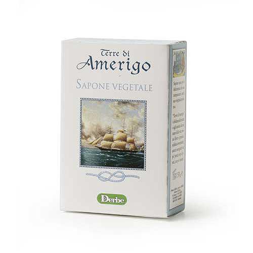 Derbe Мыло Terre Di Amerigo, 150 гA901522817Мягкое деликатное мыло Derbe Terre Di Amerigo имеет стойкий крепкий аромат, который невозможно не заметить. Ваши руки будут пахнуть так, как будто вы нанесли на них парфюм.Шампунь, мыло и дезодорант серии Terre Di Amerigo в единой парфюмерной гамме завершают образ сильного уверенного в своих силах мужчины, склонного к приключениям и авантюрам! Характеристики:Вес: 150 г. Товар сертифицирован.