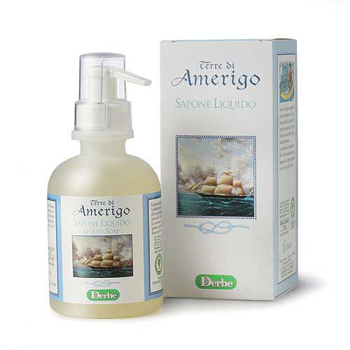 Derbe Мыло жидкое Terre Di Amerigo, 250 млSatin Hair 7 BR730MNМягкое деликатное мыло Derbe Terre Di Amerigo имеет стойкий крепкий аромат, который невозможно не заметить. Ваши руки будут пахнуть так, как будто вы нанесли на них парфюм.Шампунь, мыло и дезодорант серии Terre Di Amerigo в единой парфюмерной гамме завершают образ сильного уверенного в своих силах мужчины, склонного к приключениям и авантюрам! Характеристики:Объем: 250 мл. Товар сертифицирован.