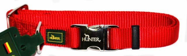 Ошейник для собак Hunter Smart ALU-Strong M, цвет: красный0120710Ошейник для собак Hunter Smart ALU-Strong предназначен для собак средних пород. Ошейник изготовлен из нейлона, оснащен надежной металлической застежкой и металлическим кольцом для поводка. Бегунок позволяет регулировать и фиксировать длину ошейника. Фурнитура выполнена из хромированного металла. Обхват шеи: 35 см - 53 см.Ширина ошейника: 2,5 см.