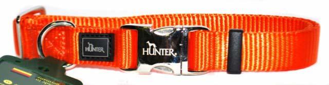 Ошейник для собак Hunter Smart ALU-Strong L, цвет: оранжевый92698Ошейник для собак Hunter Smart ALU-Strong предназначен для собак крупных пород. Ошейник изготовлен из нейлона, оснащен надежной металлической застежкой и металлическим кольцом для поводка. Бегунок позволяет регулировать и фиксировать длину ошейника. Фурнитура выполнена из хромированного металла. Обхват шеи: 45 см - 65 см.Ширина ошейника: 2,5 см.