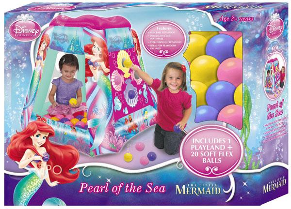 """Детский надувной игровой центр """"Русалочка - жемчужина моря"""" предназначен для маленьких принцесс. Роскошный яркий дизайн, рисунки из мультфильма """"Русалочка"""", удобная игровая форма домика – это замечательный подарок для маленькой красавицы. В комплект входят 20 разноцветных мягких шариков из нетоксичной пластмассы. В стенках домика прорезаны круглые окошки для игр. Детский игровой центр способствует развитию фантазии и игровой деятельности у малыша. Игровой центр может использоваться дома и на улице. Он выполнен из прочного винила и легко моется водой. Диаметр мячика: 6 см."""