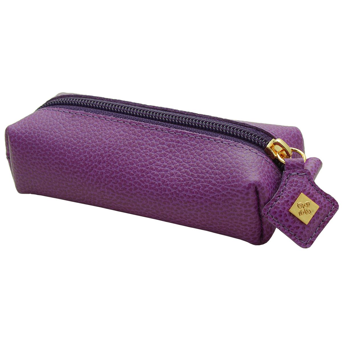 Ключница Dimanche Purpur, цвет: пурпурный. 108Серьги с подвескамиКомпактная ключница Purpur - стильная вещь для хранения ключей. Ключница выполнена из натуральной кожи. Состоит из одного отделения, закрывающегося на застежку-молнию. Внутри ключницы на кожаной петле крепится металлическое кольцо для ключей. Характеристики: Цвет: пурпурный. Материал: натуральная кожа, металл. Размер: 14,5 см x 5,5 см x 3,5 см. Изготовитель: Россия. Артикул: 108