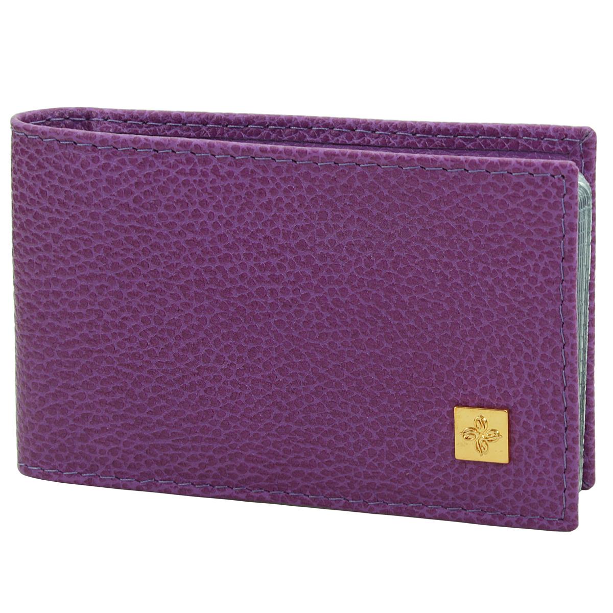 Визитница Dimanche Purpur, цвет: пурпурный. 104B16-11416Визитница Purpur - это стильный аксессуар, который не только сохранит визитки и кредитные карты в порядке, но и, благодаря своемустрогому дизайну и высокому качеству исполнения, блестяще подчеркнет тонкий вкус своего обладателя. Визитница выполнена из натуральной высококачественной кожи с декоративным тиснением и содержит внутри съемный блок из 16 прозрачныхпластиковых вкладышей, рассчитанных на 32 визитки.Визитница Purpur - станет великолепным подарком ценителю современных практичных вещей. Визитница упакована в фирменную коробку из картона. Характеристики:Материал: натуральная кожа, пленка ПВХ, металл. Цвет: пурпурный. Размер футляра (в сложенном виде): 10 см х 7 см х 1,5 см.