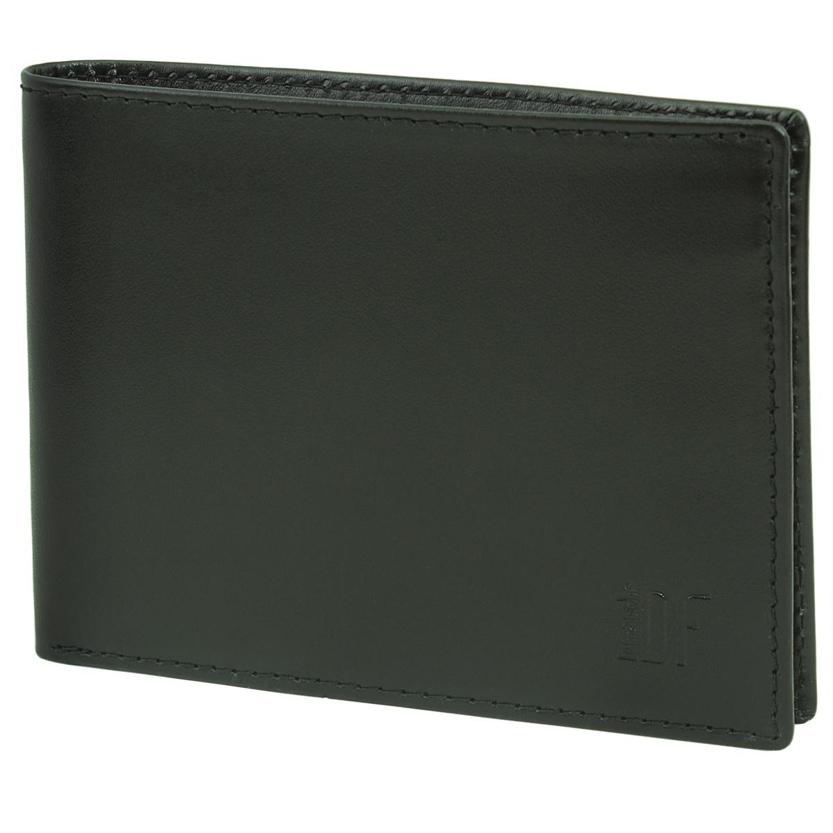 Кошелек мужской Dimanche Bond, цвет: черный. 963EQW-M710DB-1A1Мужской кошелек Bond выполнен из натуральной кожи черного цвета. Внутри два отделения для купюр, один дополнительный карман, пять карманов для кредиток, объемный карман с отделением для мелочи, который закрывается клапаном с потайной кнопкой и карман для sim карты. Потайные кармашки для автодокументов. Кошелек упакован в фирменную картонную коробку. Характеристики:Материал: натуральная кожа, текстиль, металл. Размер кошелька: 9,5 см х 12,5 см х 2 см. Цвет: черный.