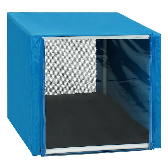 Клетка для кошек Заря-Плюс, выставочная, разборная, цвет: голубой, 56 см х 56 см х 56 см. КВР00120710Выставочная клетка-палатка Заря-Плюс - отличный выбор для участия на любой российской или международной кошачьей выставке.Данная модель выставочной клетки обладает многочисленными преимуществами: - клетка выполнена из высококачественного материала - ПВХ; - клетка разборная, в комплект входит сборный каркас из пластиковых труб вместе с соединительными уголками; - боковые стороны клетки закрытые; - лицевая сторона клетки выполнена из пленки, которая пристегивается с помощью молнии; - обратная сторона клетки выполнена из сетки, которая также пристегивается с помощью молнии; - в сложенном виде клетка довольно компактна, при хранении занимает мало места; - клетка переносится в чехле, который входит в комплект; - для удобной переноски чехол имеет короткую и длинную ручки, также на чехле имеется 2 больших кармана на молнии; - в комплект входит матрац со съемным чехлом на молнии, при необходимости он легко снимается для стирки.