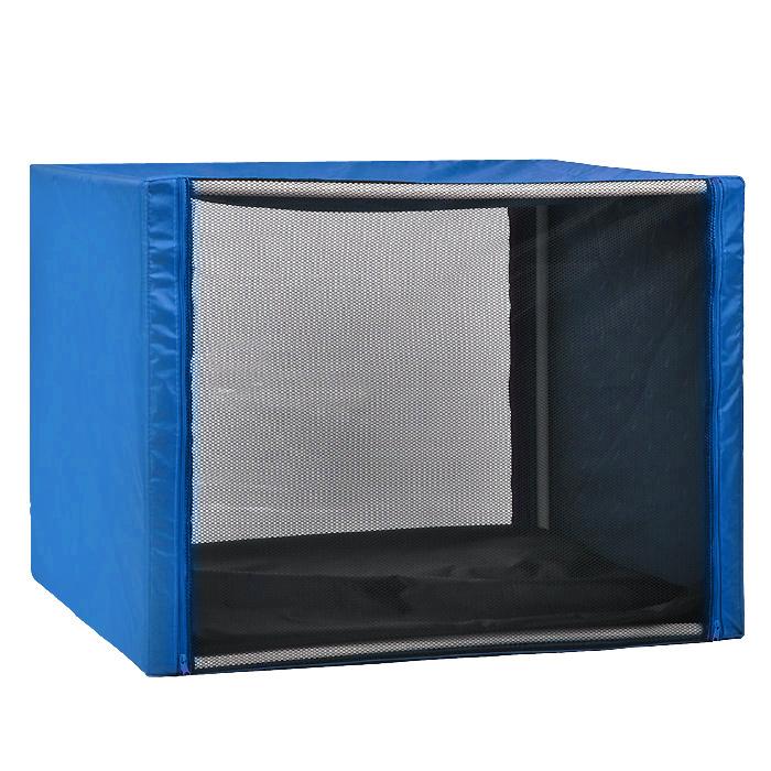 Клетка для кошек Заря-Плюс, выставочная, разборная, цвет: голубой, 90 см х 70 см х 70 см. КВР20120710Выставочная клетка-палатка Заря-Плюс - отличный выбор для участия на любой российской или международной кошачьей выставке.Данная модель выставочной клетки обладает многочисленными преимуществами: - клетка выполнена из высококачественного материала - ПВХ; - клетка разборная, в комплект входит сборный каркас из пластиковых труб вместе с соединительными уголками; - боковые стороны клетки закрытые; - лицевая сторона клетки выполнена из пленки, которая пристегивается с помощью молнии; - обратная сторона клетки выполнена из сетки, которая также пристегивается с помощью молнии; - в сложенном виде клетка довольно компактна, при хранении занимает мало места; - клетка переносится в чехле, который входит в комплект; - для удобной переноски чехол имеет короткую и длинную ручки, также на чехле имеется 2 больших кармана на молнии; - в комплект входит матрац со съемным чехлом на молнии, при необходимости он легко снимается для стирки.