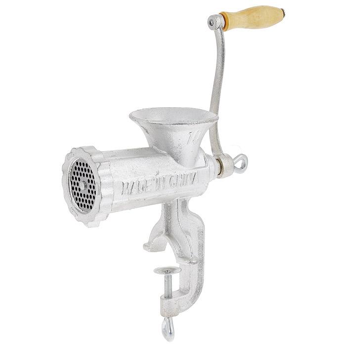 Мясорубка, с ручным приводом68/5/4Мясорубка изготовлена из металла и предназначена для приготовления фарша из мяса, рыбы, измельчения и профилирования теста. Она крепится винтовым зажимом к крышке стола. Удобная ручка оснащена деревянной вставкой.Мясорубка станет незаменимым помощником на вашей кухне. Характеристики:Материал: металл, дерево. Размер мясорубки (без ручки) (Д х Ш х В): 18 см х 12 см х 25 см. Длина ручки: 19 см.