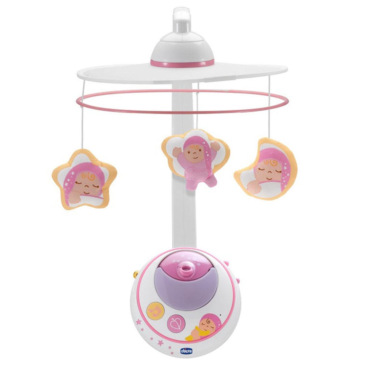 """Яркий музыкальный мобиль-проектор """"Волшебные звезды"""" - это оригинальная музыкальная игрушка, создающая атмосферу уюта и спокойствия в детской комнате. Он предназначен для малышей с рождения. К кроватке ребенка крепится музыкальный блок, в него вставляется кронштейн. К кронштейну подвешивается круглая рамка с игрушками. Под приятные мелодии на мобиле медленно вращаются три игрушки. Мягкий свет от музыкального блока проецирует на внутреннюю поверхность навеса-купола или потолок изображения звезд и планет, создавая волшебную атмосферу. Мобиль предусматривает различные функции: Вращение, Музыка, Световые эффекты. Они включаются независимо друг от друга, что позволяет комбинировать их по-разному. Вращение: переключатель на музыкальном блоке позволит вам включить режим вращения игрушек или остановить его. Музыка: на музыкальном блоке расположены две кнопки для выбора мелодий new age или классика. Воспроизведение мелодий длится 18 минут. Световые..."""