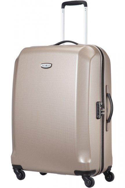 Чемодан Samsonite Skydro, 77,5 л. 45V-05003, шампаньКостюм Охотник-Штурм: куртка, брюкиХарактеристики: Размер чемодана (без учета ручки и колес) (ДхШхВ): 47 см x 32 см x 65 см. Размер главного отделения чемодана (ДхШхВ): 62 см x 45 см x 12 см. Высота чемодана (с учетом колес): 67 см Высота чемодана (с учетом колес и выдвинутой ручки): 91/105 см. Диаметр колеса: 4,5 см. Ширина колеса: 1,5 см.