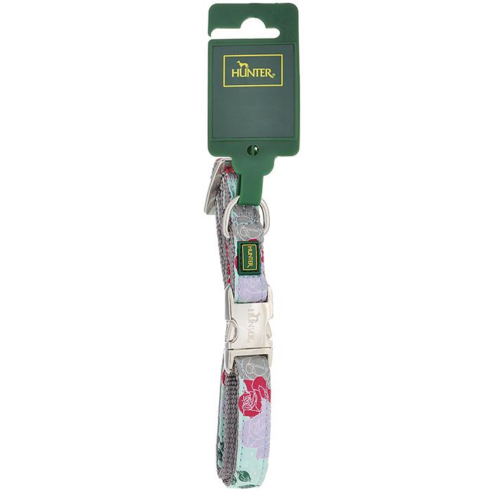 Ошейник для собак Hunter Smart Rose, цвет: ментол, размер S0120710Ошейник для собак Hunter Smart Rose выполнен из нейлона с цветочным принтом и предназначен для собак мелких и средних пород. Ошейник снабжен надежной металлической застежкой и металлическим кольцом для поводка.Благодаря пластиковому бегунку размер ошейника регулируется и фиксируется.Обхват шеи: 30 см - 45 см.Ширина ошейника: 1,5 см.