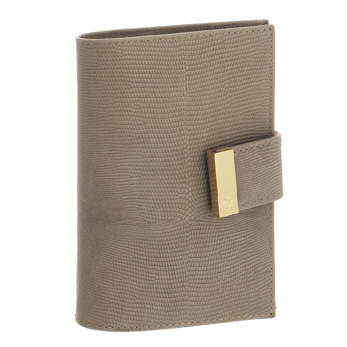 Обложка для паспорта Dimanche Elite Beige, цвет: бежевый. 730730Обложка для паспорта Elite Beige выполнена из натуральной кожи с декоративным тиснением под варана. На внутреннем развороте - два кармашка из прозрачного пластика. Обложка застегивается на хлястик с кнопкой.Обложка не только поможет сохранить внешний вид ваших документов и защитит их от повреждений, но и станет стильным аксессуаром, который подчеркнет ваш неповторимый стиль.Обложка упакована в коробку из плотного картона с логотипом фирмы. Характеристики:Материал: натуральная кожа, ПВХ. Цвет: бежевый. Размер обложки: 9,5 см х 13,5 см х 1,5 см.