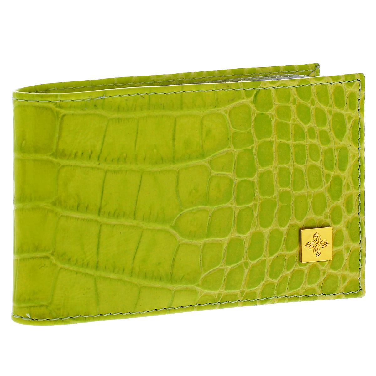 Визитница Dimanche Lime, цвет: лаймовый. 394INT-06501Визитница Lime - это стильный аксессуар, который не только сохранит визитки и кредитные карты в порядке, но и, благодаря своему строгому дизайну и высокому качеству исполнения, блестяще подчеркнет тонкий вкус своего обладателя. Визитница выполнена из натуральной высококачественной кожи с декоративным тиснением и содержит внутри съемный блок из 16 прозрачных пластиковых вкладышей, рассчитанных на 32 визитки.Визитница Lime станет великолепным подарком ценителю современных практичных вещей. Изделие упаковано в фирменную коробку из картона. Характеристики:Материал: натуральная кожа, пленка ПВХ, металл. Цвет: лаймовый. Размер визитницы: 10,5 см х 6,5 см х 1,5 см.