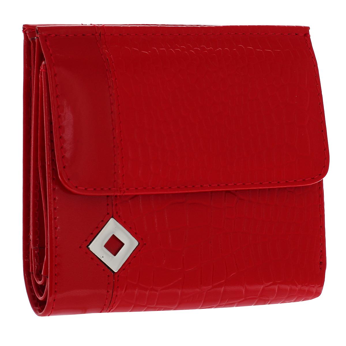 Кошелек женский Dimanche Papillon Rouge, цвет: красный. 424BM8434-58AEКошелек Dimanche Papillon Rouge изготовлен из натуральной лакированной кожи красного цвета с декоративным тиснением под рептилию. Лицевая сторона украшена металлическим значком в виде ромба. Кошелек закрывается на магнитную кнопку. На передней стенке расположен объемный карман для мелочи, закрывающийся клапаном на кнопку. Внутри кошелька содержится 2 отделения для купюр, дополнительный карман на молнии, 2 прорезных кармана для пластиковых карт, кармашек для сим-карты, 2 потайных вертикальных кармашка для мелких бумаг и окошко для фотографии. Внутри кошелек отделан атласным полиэстером красного цвета с рисунком. Фурнитура - серебристого цвета.Стильный кошелек отлично дополнит ваш образ и станет незаменимым аксессуаром на каждый день. Упакован в фирменную картонную коробку коричневого цвета.Характеристики: Материал: натуральная кожа, полиэстер, металл. Цвет: красный. Размер кошелька (ДхШхВ): 10 см х 10,5 см х 2,5 см.