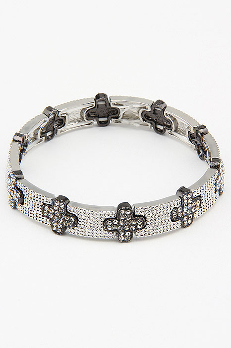 Браслет Fashion Jewelry, цвет: серебристый, черный. BR0192Глидерный браслетБраслет Fashion Jewelry на резинке, выполненный из металла, украшен стразами. Такой браслет позволит вам быть оригинальной и изящной и создать свой неповторимый образ. Красивое и необычное украшение блестяще подчеркнет изысканный вкус, женственность и красоту своей обладательницы и поможет внести разнообразие в привычный образ.
