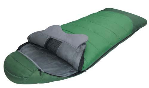 Спальный мешок Alexika Forest, цвет: зеленый, правосторонняя молния. 9230.01011SPIRIT ED 1050Комфортабельный трехсезонный трекинговый спальный мешок Alexika Forester будет идеален для тех, кто любит путешествовать. Прочный и надежный, он обеспечит вам крепкий здоровый сон и комфорт, словно вы и не выходили из собственной спальни.Комфорт сохранится даже при температуре -4°C: это достигается благодаря специальному утеплителю APF-Isoterm 3D, который не пропускает холодный воздух внутрь, т.к. помещен в специальные пакеты, смещенные относительно друг друга. Тепловой воротник плотно облегает шею, и препятствует прохождению холодного воздуха извне, сохраняя тепло внутри. Молния плотно утеплена, а значит, там нет щелей, через которые может проходить ветер. Капюшон анатомической формы удобен для головы и также сохранит тепло.Светящаяся петля на молнии позволит вам с легкостью найти бегунок в ночное время, а внутренние сетчатые карманы припрятать в мешке небольшие вещички, например документы и т.п.Данный туристический спальник легко поддается чистке, благодаря своему синтетическому материалу. Сушка также не составит особых трудностей, благодаря специальным петлям, за которые вы можете подвесить мешок, например на веревке. Особенности:Мягкий валик вдоль оси капюшона. Лента от закусывания молнии. Сетчатый внутренний карман. Внутрення часть капюшона выполнена из Soft Micro Polyester Diamond RipStop. Анатомический капюшон.Тепловой воротник. Люминесцентная петля на замке молнии. Петли для сушки. Утеплитель сформирован в пакеты, смещенные относительно друг друга на половину ширины пакета, что предотвращает проникновение холодного воздуха через швы.Размер в чехле: 46/36 см x 26 см.Сезонность: весна-осень.Внешняя ткань верх - Polyester 190T.Внешняя ткань низ: Polyester 190T Diamond RipStop PU 250 mm H2O.Внутренняя ткань: Polyester 190T.Утеплитель: APF-Isoterm 3D.