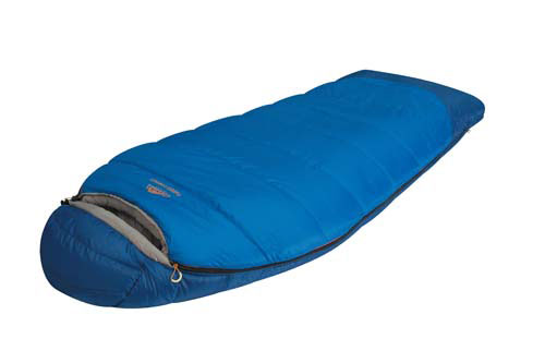Спальный мешок Alexika Forest Compact, цвет: синий, правосторонняя молния. 9231.0105167744Туристический спальник Alexika Forester Compact представляет собой уменьшенную копию спальных мешков модели Forester, и обладает всеми теми же качествами, за исключением размера, который на порядок меньше (-20 см длины) и немножко легче (в отличие от оригинала, который весит 2,4 кг, компактная модель весит 2,1 кг).Критическая температура -15°C. Наиболее оптимальная от +1°C до -4°C. Вдоль оси капюшона расположен мягкий валик, под который удобно подложить голову во время сна.Бегунок молнии оснащен люминесцентной петлей, а сама молния - специальной лентой для защиты от закусывания, к тому же молния хорошо загерметизирована и утеплена, и не пропустит холодный воздух сквозь зубцы. Внутренняя часть капюшона сделана из ткани Soft Micro Polyester Diamond RipStop, которая неплохо вентилирует воздух.В заключении можно сказать, что Alexika Forester Compact - удачная комбинация кокона и спальника одеяла с высоким комфортом и низкими теплопотерями.Особенности: Мягкий валик вдоль оси капюшона.Лента от закусывания молнии.Сетчатый внутренний карман. Внутренняя часть капюшона выполнена из Soft Micro Polyester Diamond RipStop. Анатомический капюшон. Тепловой воротник. Люминесцентная петля на замке молнии. Петли для сушки. Утеплитель сформирован в пакеты, смещенные относительно друг друга на половину ширины пакета, что предотвращает проникновение холодного воздуха через швы.Размер в чехле: 46/36 см x 26 см.Внешняя ткань верх: Polyester 190T. Внешняя ткань низ: Polyester 190T Diamond RipStop PU 250 mm H2O.Внутренняя ткань: Polyester 190T. Утеплитель: APF-Isoterm 3D.