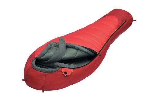 Спальный мешок Alexika Iceland, цвет: красный, правосторонняя молния. 9228.01061010-01199-23Спальник Alexika Iceland представляет собой самую недорогую модель спального мешка на рынке среди зимних спальников. Благодаря хорошим свойствам утеплителя APF-Isoterm 3D вы можете спать спокойно, в тепле и комфорте даже при низких температурах. Сам мешок довольно просторный, и в случае, если вы используете его при температурах более низких (температура экстрима -32°С), вы можете надеть на себя дополнительную одежду. Внутренняя ткань капюшона - Soft Micro Polyester Diamond RipStop H2O, прекрасно защищает от влаги и ветра, но в то же время позволяет вентилировать воздух, не заставляя вас мучиться от духоты. Подобно всем моделям спальников от Alexika, данная модель также снабжена лентой, предохраняющей попадание ткани в молнию при застегивании, отделение в капюшоне для подушки или какой-либо другой вещи для подкладки под голову, теплый воротник, полностью обхватывающий шею на 360 градусов. Еще приятными мелочами являются наличие внутри спальника сетчатого кармана, а также петелек для сушки и светоотражающего ярлыка на треугольном клапане. Особенности: Форма спального мешка в виде короба 3D. Отделение под подушку с двумя входами. Мягкий валик вдоль окна капюшона. Лента от закусывания молнии. Удобные затяжки разного цвета и формы. Сетчатый внутренний карман. Внутренняя ткань капюшона Soft Micro Polyester Diamond RipStop.Анатомический капюшон. Теплый воротник с обхватом 360 градусов. Люминесцентная петля на замке молнии. Возможность состегивания спальников, имеющих молнии с правой и левой стороны. Петли для сушки. На треугольном клапане круглая липучка и светоотражающий ярлык. Утеплитель сформирован в пакеты, смещённые относительно друг друга на половину ширины пакета, что предотвращает проникновение холодного воздуха через швы.Размер в чехле: 45/35 см x 28 см. Внешняя ткань верх: Polyester 190T. Внешняя ткань низ: Polyester 190T Diamond RipStop PU 250 mm H2O. Внутренняя ткань: Po