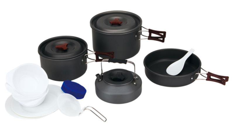 Набор походной посуды Fire-Maple, цвет: металлик, белый, 13 предметов. FMC-209FMC-209Набор походной посуды Fire-Maple - очень легкий и компактный набор портативной посуы, сделанной из анодированного алюминия, жаропрочного и устойчивого к износу, который легко мыть. Рассчитан набор на 4-5 человек.Все элементы, которых вы касаетесь при приготовлении, оснащены термоизолирующим покрытием, очень приятным на ощупь при эксплуатации. В комплект входят: - сковорода,- 2 котелка, - чайник,- лопатка,- складной половник,- 2 тарелки,- 4 миски,- губка для мытья посуды,- ситечко для чая.Набор поставляется с сетчатым нейлоновым мешочком для транспортировки и хранения. Объем сковороды: 1,1л. Размер сковороды: 19,7 см х 5 см. Объемы котелков: 1,8 л; 3 л. Размер большого котелка: 19,5 см х 12 см. Размер маленького котелка: 17 см х 10 см. Объем чайника: 0,8 л. Размер чайника: 15,3 см х 6,7 см.