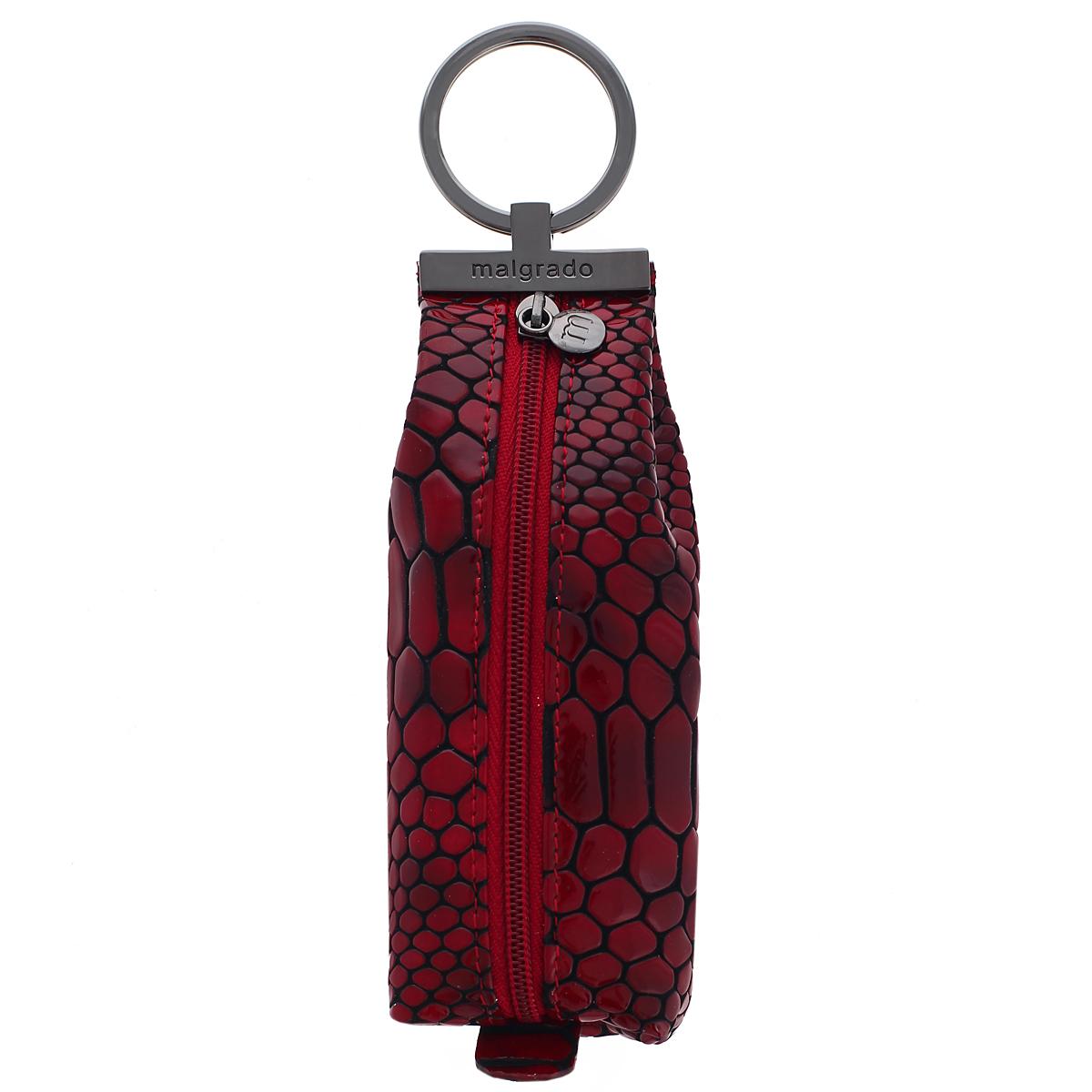 Ключница Malgrado, цвет: бордовый, черный. 52017-4030239864|Серьги с подвескамиКомпактная ключница Malgrado изготовлена из натуральной кожи и имеет одно отделение на молнии. Внутри находится металлическая цепочка с кольцом для ключей. Снаружи - металлическое кольцо для возможности крепления к поясу или сумке. Ключница упакована в коробку из плотного картона с логотипом фирмы.Этот аксессуар станет замечательным подарком человеку, ценящему качественные и практичные вещи.
