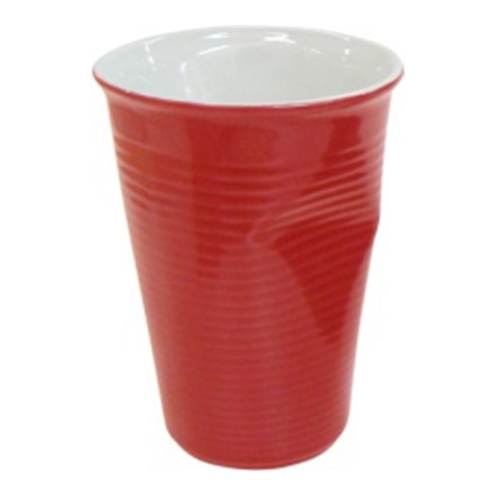 Стакан Ceraflame Мятый стаканчик, цвет: красный, 240 млVT-1520(SR)Стакан Ceraflame изготовлен из качественной керамики в форме мятого стакана. Керамика Ceraflame является экологически чистым продуктом. Кроме того, за счет своей прочности, на ее поверхности не будут появляться трещинки, которые зачастую приводят к развитию вредных бактерий. Этот стаканчик полностью безопасен не только для окружающей среды, но и для своего владельца, (выдерживает температуру до 350°С). Стаканчик подойдет для первоапрельской шутки или дружеского розыгрыша. Его всегда по достоинству оценят люди с хорошим чувством юмора, умеющие веселиться и вспоминать смешные моменты из своей жизни. Не использовать на открытом огне и не подвергать резким перепадам температур. Пригоден для использования в микроволновой печи. Можно мыть в посудомоечной машине. Диаметр (по верхнему краю): 8 см. Высота стакана: 11 см. Диаметр дна: 5 см.