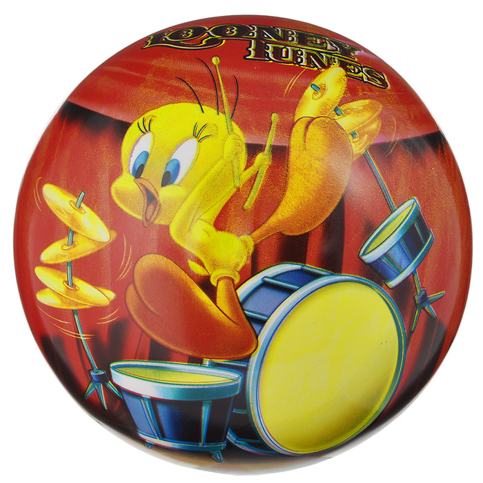 """Яркий детский мяч Dema-still """"Луни Тюнз"""" - это игрушка для детей любого возраста. Он выполнен из ПВХ красно-оранжевого цвета и оформлен изображениями персонажей мультсериала """"Looney Tunes"""". Мяч незаменим для любителей подвижных игр и активного отдыха, также он подходит для игр на воде. Игры с мячом развивают координацию движений, мелкую моторику рук и способствуют физическому развитию ребенка. УВАЖАЕМЫЕ КЛИЕНТЫ! Просим вас обратить внимание на тот факт, что мяч поставляется в сдутом виде и надувается при помощи насоса (насос не входит в комплект)."""