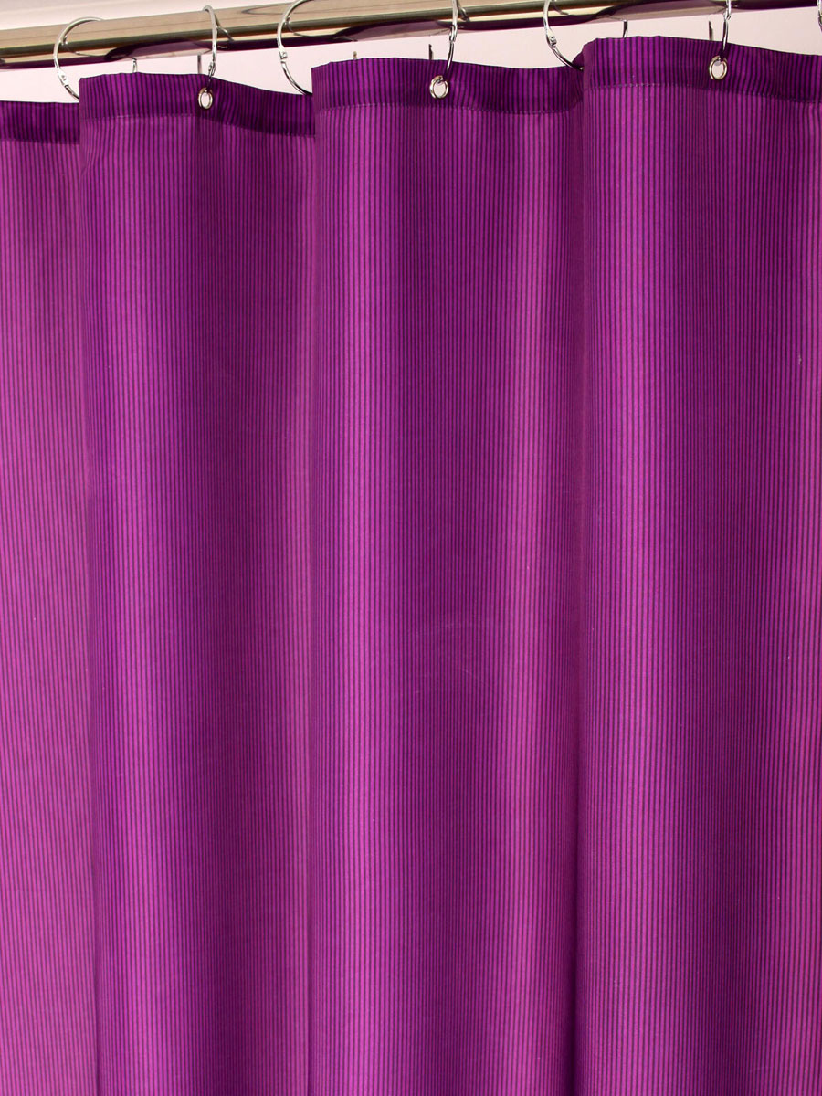 Штора для ванной White Fox Пурпур, с крючками, цвет: фиолетовый, 180 см х 200 см68/5/4Штора для ванной White Fox Пурпур изготовлена из полиэстера с водоотталкивающей и антибактериальной пропиткой. В нижний край шторы вшит неметаллический утяжелитель змейка. Он не ржавеет, обладает большой гибкостью и не теряет своих свойств после стирки. Рисунок нанесен по специальной водозащитной технологии, позволяющей максимально долго сохранять первоначальные цвета. В комплект входит 12 крючков из нержавеющей стали. Крючки не требуют особого ухода, удобны для быстрого навешивания и снятия шторы с карниза. Шарики в верхней части крючка позволяют более плавно перемещать штору по карнизу.Штора и крючки составляют единую композицию, которая гармонично вписывается в интерьер ванной комнаты. Рекомендации по уходу: Штора удобна и проста в уходе. Ее можно стирать при температуре до 30°C и гладить при температуре до 110°C.