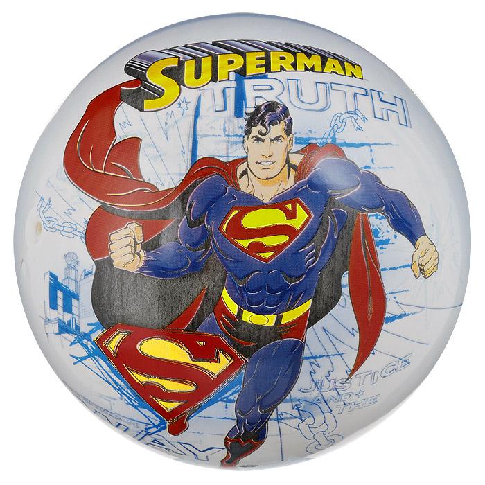 """Яркий детский мяч Dema-still """"Супермен"""" - это игрушка для детей любого возраста. Он выполнен из ПВХ светло-голубого цвета и оформлен изображением Супермена - супергероя мультфильма """"Superman"""". Мяч незаменим для любителей подвижных игр и активного отдыха, также он подходит для игр на воде. Игры с мячом развивают координацию движений, мелкую моторику рук и способствуют физическому развитию ребенка. УВАЖАЕМЫЕ КЛИЕНТЫ! Просим вас обратить внимание на тот факт, что мяч поставляется в сдутом виде и надувается при помощи насоса (насос не входит в комплект)."""